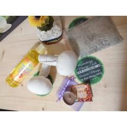 Pachet SPA: 2 Saculeti cu fulgi COCOS + Ulei SPA + Sare Praid cu plante medicinale + Lumânare pentru Masaj + CADOU Lemn Sfant