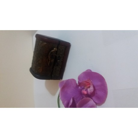 Cufar Lemn pentru depozitare Pietre Vulcanice / Cristale / Cadou / Bijuterii + Cristal CADOU
