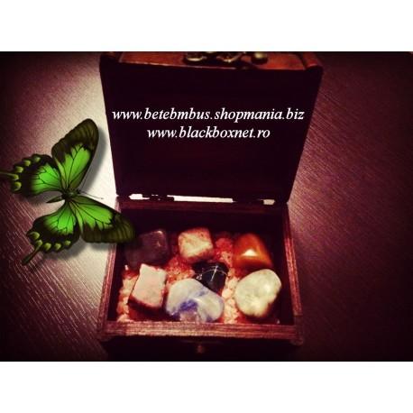 Cufar din bambus cu 7 cristale CHAKRA si Cristale de Sare de Himalaya pentru Purificare + BONUS Sticluta cu Cristale